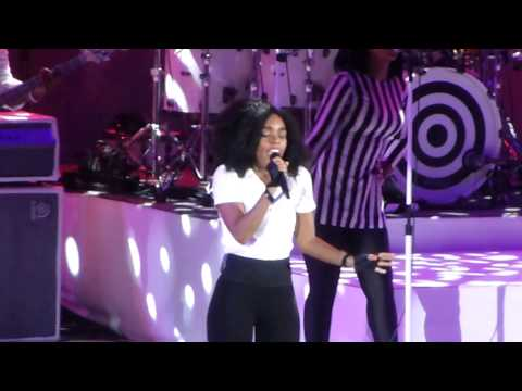 Janelle Monae - PrimeTime (Hollywood Bowl, Los Angeles CA 6/22/14)
