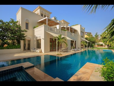 Two Dubai villas with 13 bedrooms between them – yours for