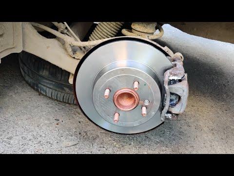 Замена задних тормозных дисков и колодок на Hyundai SOLARIS