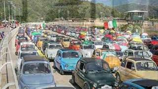 Скачать ガルレンダの フィアット500クラブイタリア本部 Fiat 500 Club Italia