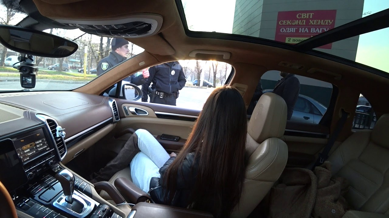 Полиция пожалела девушку