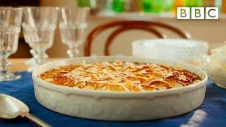 Mary Berry&#39s classy brioche frangipane apple pudding - BBC