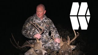 TWO MATURE BUCKS IN 10 MINUTES - CRAZY