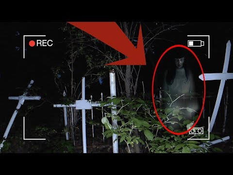 Оставил камеры на Старом Кладбище | Призрак снят на камеру