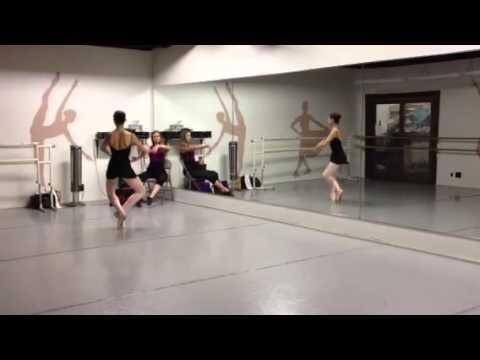 Kira Kosarin ballet class. - YouTube - 11.4KB