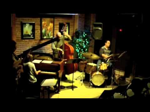 Reptomin - Dan Arcamone - The Buttonwood Tree 9.16.11