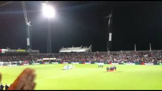 Video Eervol applaus voor 'de Zwarte Meteoor' klinkt in Polman Stadion download MP3, 3GP, MP4, WEBM, AVI, FLV Agustus 2017