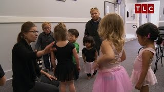 Gambar cover Zoey's First Ballet Class | The Little Couple