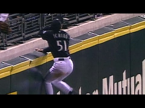 Ichiro robs Anderson with amazing catch