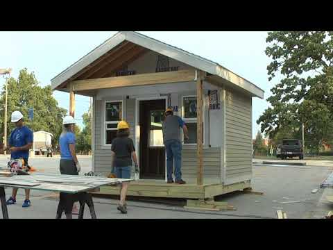 Tiny House Build In Des Moines, Iowa For Outreach Project