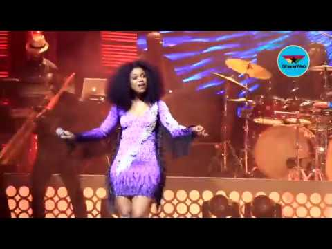 Becca UNVEILED: 10-years of music delivered in one night