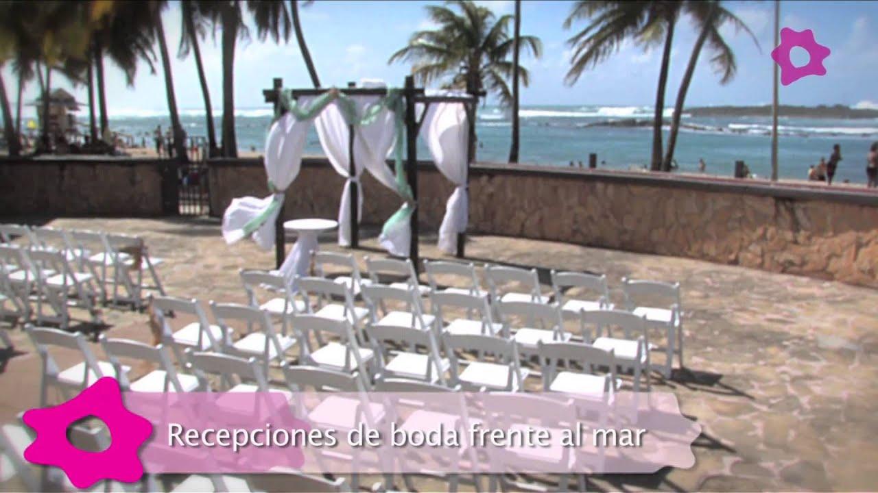 Una paradisíaca boda frente al mar El Escambrón Beach Club es el lugar ideal para realizar esa soñada boda que tanto deseas convertir en realidad.