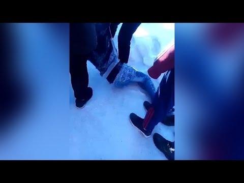 На школьном дворе избили пятиклассника. Real Video