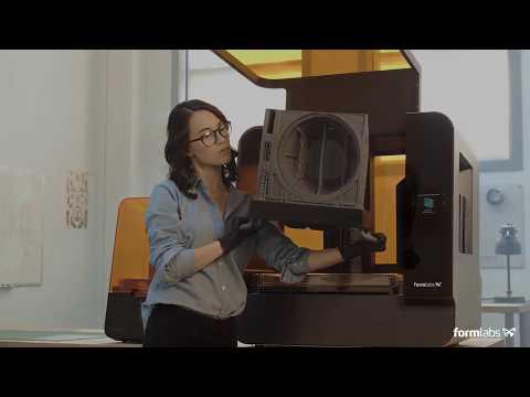 Impressora 3D Formlabs Form 3 de alta resolução