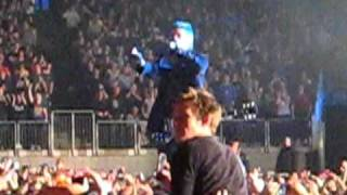 Jared Leto speaks to the Crowd - 30 Seconds to Mars - London O2 - 30th November 2010