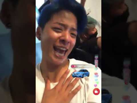 F(x) Amber Going Crazy Over SNSD Lil Touch 😂