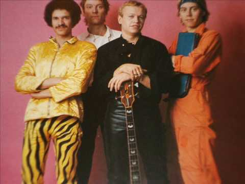 LEVEL 42 A FLOATING LIFE LIVE AUDIO TRACK