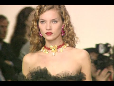 YVES SAINT LAURENT Fall 1994/1995 Paris - Fashion Channel