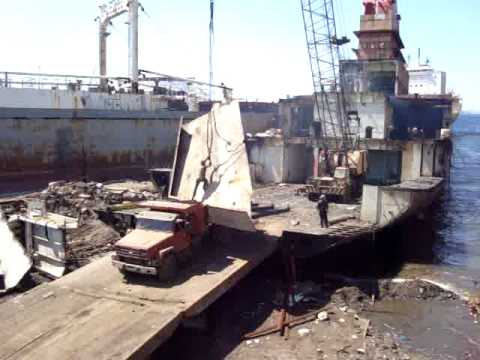 Ship Breaking Yards Turkey Izmir Aliaga Ship Breaking Yards Ship Demolition Scrap Vessel