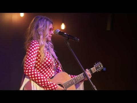 LIVE Radio Bristol Session: Elizabeth Cook