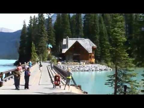 Stunning beauty of Emerald Lake, Canadian Rockies
