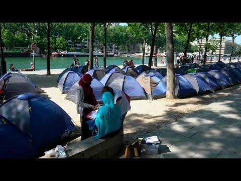نقل عشرات اللاجئين في باريس إلى مراكز إيواء تحميهم من جائحة كوفيد-19…  - 22:59-2020 / 5 / 28