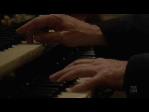 Dr. House playing organ.avi