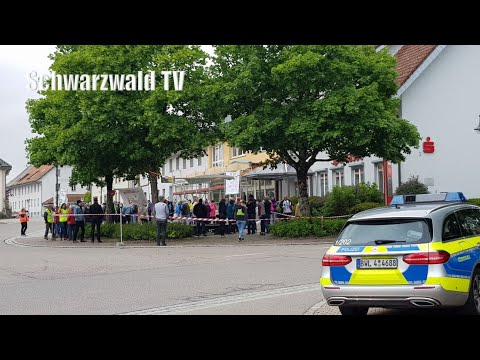 Abschlussrede Überlingen 2. Mai 2020 - Grundgesetz-Demonstration - nichtohneuns.de - Widerstand2020 from YouTube · Duration:  3 minutes 35 seconds
