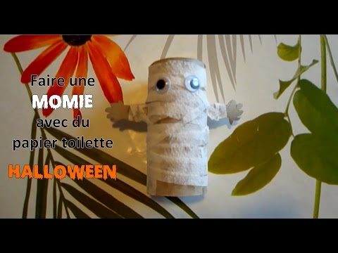 halloween 2 une momie avec un rouleau de papier toilette youtube. Black Bedroom Furniture Sets. Home Design Ideas