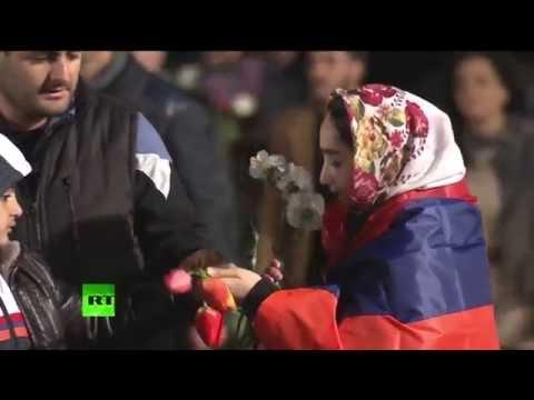 В Ереване проходит факельное шествие в память о жертвах геноцида в Османской империи