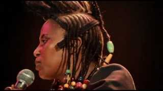 Miriam Makeba - Click Song (Qongqothwane)