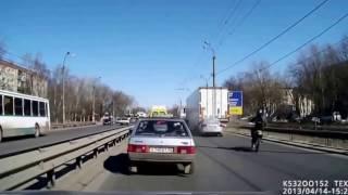 видео Вдребезги (2011)