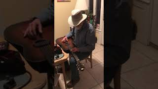 Demonstrating the 1942 Oahu squareneck slide guitar with Strymon Flint reverb and tremolo.