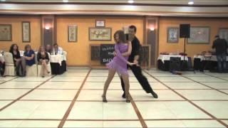 Victor Olmo & Maria Pachon,bailan salsa-valio la pena.