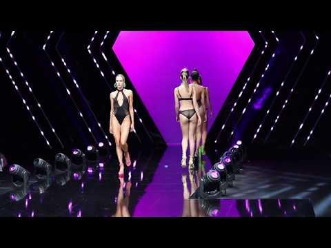 Fashion Show 1/3 @ Interfilière Paris / Salon International de la Lingerie. http://bit.ly/2MFPP4N