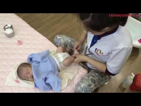 [Dunamex] - Hướng dẫn cách massage và tắm cho trẻ sơ sinh