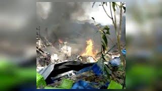 Esplosione a Ottaviano, la plastica davanti alla fabbrica distrutta