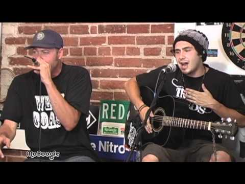"FORTUNATE YOUTH ""Burn One"" - stripped down session @ the MoBoogie Loft (full video)"