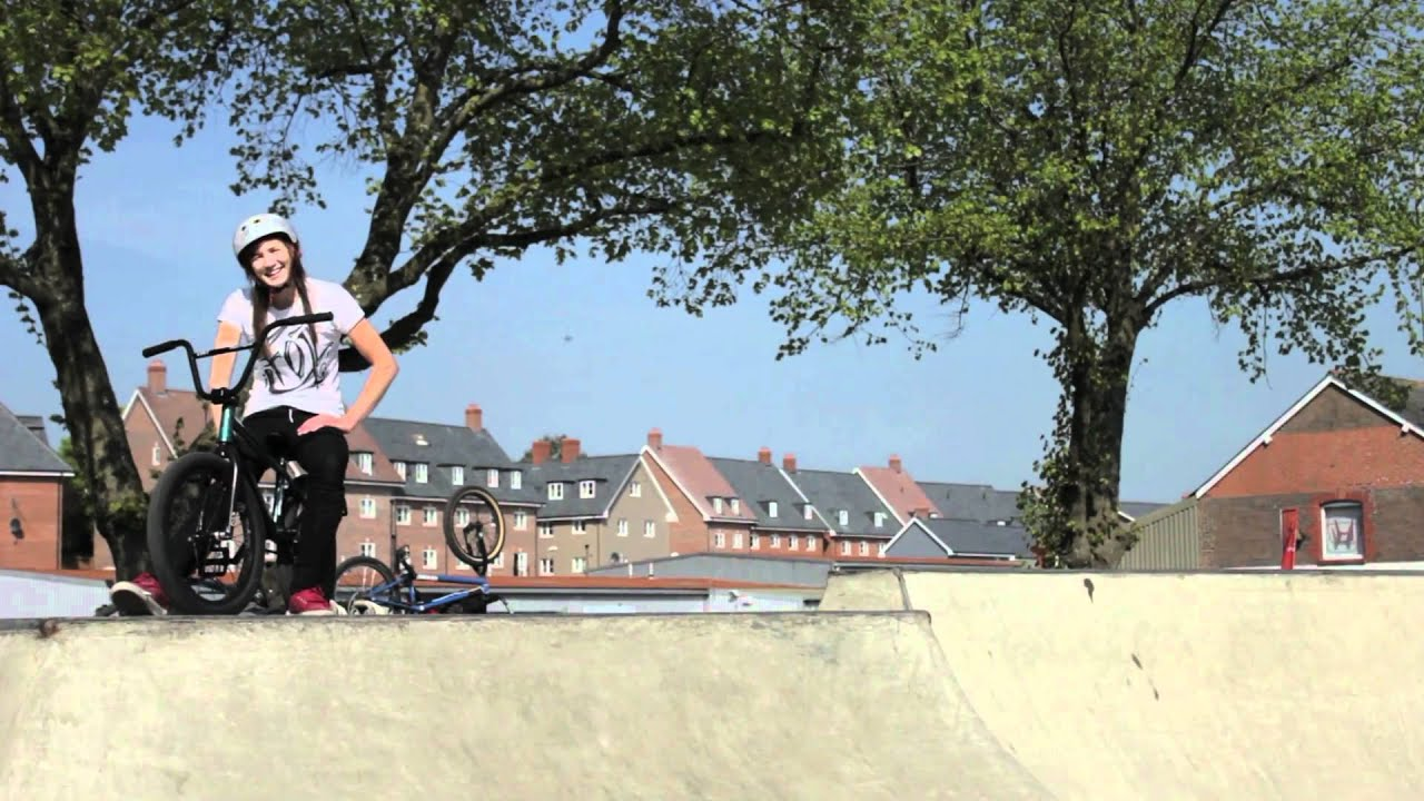 Girl bmx holly bendall spring 2011 youtube voltagebd Choice Image