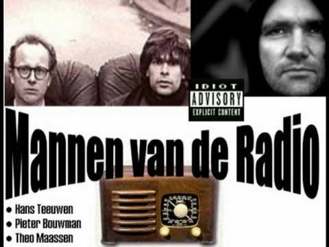 Mannen vd Radio - Voetbaltrainer