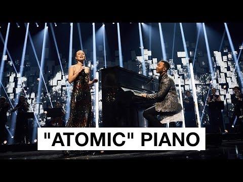"Hibaku ""Atomic"" Piano Intro - John Legend & Zara larsson | The 2017 Nobel Peace Prize Concert"