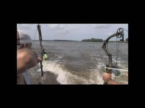 Aerial Bowfishing with Relentless Pursuit