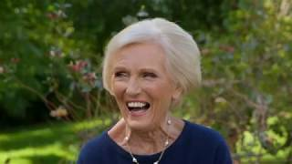 Classic Mary Berry: How To Make Eggs Benedict (Episode 1) | Cooking Show