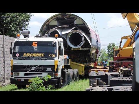 Heavy Haulage Trucks Unloading Boeing 737 Sriwijaya Air