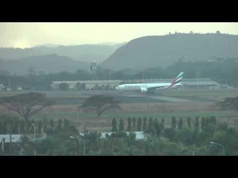 Emirates 777 Clark Airbase Takeoff