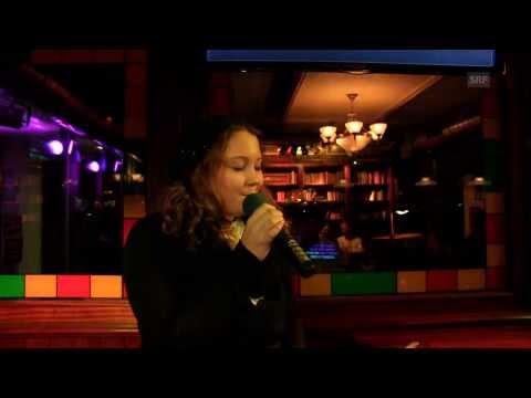 Bettina Müllers Karaoke-Auftritt nach dem Blind-Triumph bei The Voice of Switzerland 2014