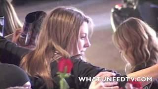 Julia Roberts & Emma Roberts arrive at Valentines Day Movie Premiere