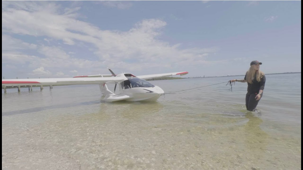 Beaching an Airplane   How to fly the ICON A5