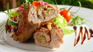 Przepis - Karkówka z duszoną cebulą (przepisy kulinarne Przepisy.pl)