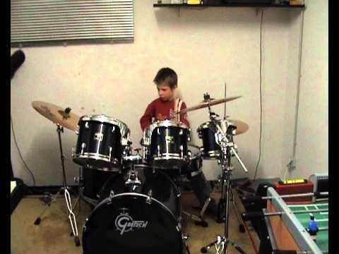 Schlagzeugsolo mit Tim (8Jahre)
